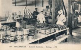H182 - 29 - DOUARNENEZ - Finistère - Industrie Sardinière - Huilage - Douarnenez