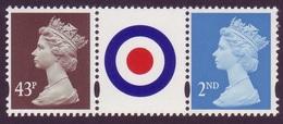GB 43p & NVI 2nd Class Perf. 14 Machin Stamps In Strip With RAF Roundel Label In Centre UM / MNH - 1952-.... (Elizabeth II)