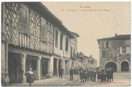 32 - Cologne - Vieilles Maisons Et La Place (très Animée) - Années 1910s - Other Municipalities