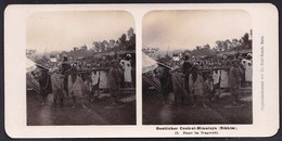 RARE  CARTE STEREOSCOPIQUE OESTLICHER CENTRAL HIMALAYA - SIKHIM - LADY IN LITTER - ENGLISH SOLDIERS STEGLITZ BERLIN 1906 - Photos Stéréoscopiques