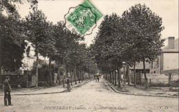 D45  COURTENAY  Avenue De La Gare - Courtenay