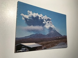 New Zealand Mount Ngaruahoe Volcano Vulcan Old Car 9529 Post Card Postkarte POSTCARD - New Zealand