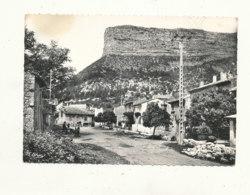 26 // REMUZAT  L'ancien Champ De Foire Et Le Rocher Du Caire / CPSM GRAND FORMAT    ** - Autres Communes