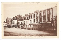LE FAOUET  (cpa 56)  Un Coin De La Place Vieilles Voitures   -  L  1 - Faouët