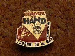 Pin's - DINGUE DE HANDBALL - ASPTT STRASBOURG - BAS RHIN 67 - Handball