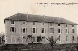 CHEF-BOUTONNE - Ecole Publique Cours Complémentaire Et Pensionnat Des Garçons . Les Classes - L'internat.Rare - Chef Boutonne