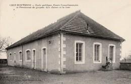 CHEF-BOUTONNE - Ecole Publique Cours Complémentaire Et Pensionnat De Garçons . Les Classes Et La Cour Carte .Rare - Chef Boutonne