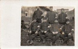 86Va   Carte Photo Militaires Soldats Service Medical Infirmiers Brancardiers - Uniformen