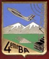 ** INSIGNE  4ème  B. A. ** - Armée De L'air