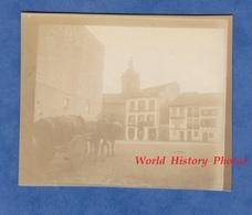 Photo Ancienne Snapshot Vers 1900 - Fuenterrabía / Fontarrabie - Attelage Tirant Un Tonneau Sur La Place - Pays Basque - Anciennes (Av. 1900)