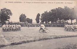 CPA LE VELOUSEL Le Trou D'Enfer Chasseurs Cyclistes 1923 Sport Vélo Bicyclette Cyclisme Cycling Militaria - Cyclisme