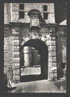 Spontin S/Bocq - Château Féodal - 1er Porche Du XVIIe Vu Du Pont-levis - Yvoir