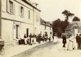 France Villers Un Dimanche à La Campagne Garcons De Café Ancienne Photo 1900 - Photographs