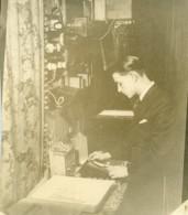 France Paris Photographe Andre Rossignol Dans Son Studio Ancienne Photo 1930 - Professions