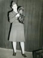 USA WWII Femme Photographe Militaire Appareil Photo Ancienne Photo 1945 - War, Military