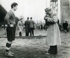 France Le Footballeur & Le Photographe Ancienne Photo 1955 - Photographs