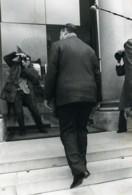 France Paris Politicien Raymond Barre & Photographe Ancienne Photo 1981 - Professions