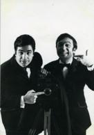 France Groupe De Photographe Acteurs Roger Pierre & Jean-Marc Thibault Ancienne Photo Leloir 1970 - Photographs