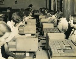 Royaume Uni Ilford Fabrication Du Film Et Papier Photographique Selo Ancienne Photo 1930 - Professions