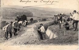 Thématiques 2018 Commémoration Fin De Guerre 1914 1918 Bataille De La Marne Infanterie Creusant Tranchées - Guerre 1914-18
