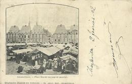 08)  CHARLEVILLE  -  Place Ducale Un Jour De  Marché - Charleville