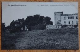 85 : Maillezais - Le Château Bourloton Et L'entrée De L'Abbaye - (n°13482) - Maillezais