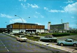 ! Modern Postcard Singapore International Airport, Paya Lebar, Singapur, Flughafen, Aerodrome, Autos, Cars, Tower - Singapore