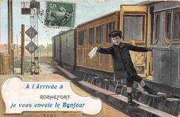 17-ROCHEFORT- A L'ARRIVEE A ROCHEFORT , JE VOUS ENVOIE LE BONJOUR - Rochefort