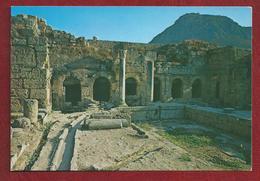 EL.- Griekenland. Greece. Corinthe. L'Ancienne Corinthe. La Facade De La Fontaine Pirène Vue De L'Agora - Griekenland