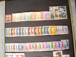Francia. Collezione MNH/MLH Dal 1944 Al 1959. Descrizione. 13 Foto - France