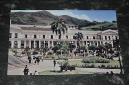 3916  QUITO, PLAZA DE LA INDEPENDENCIA Y PALACIO DE GOBIERNO - Ecuador