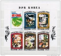 Corée Du Nord. Feuillet. Conquérants De L'univers - Corée Du Nord