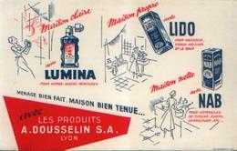 LYON « Les Produits A. Dousselin S.A. » - Buvards, Protège-cahiers Illustrés