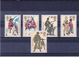 GB 1983 ARMEE UNIFORMES  Yvert 1094-1098 NEUF** MNH - 1952-.... (Elizabeth II)