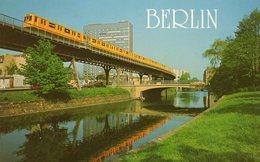 BERLIN - Postscheckamt Und Hochbahn - Deutschland