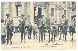 CPA Cauterets - Les Guides à Cheval - Le Drapeau De La Compagnie   ( S 3128 ) - Cauterets