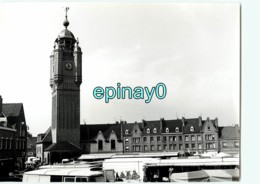 59 - BERGUES - Flandre Maritime - Le Beffroi Reconstruit Aprés La Guerre  - PHOTOGRAPHE ROBERT PETIT - ATLAS-PHOTO - Lieux