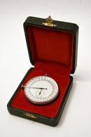 Chronomètre De Fabrication Suisse En étui / 30sec Pour 1 Tour / Horlogerie - Altri