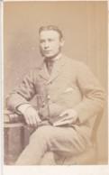 ANTIQUE CDV PHOTO - SEATED MAN  HOLDING BOOK. COLCHESTER STUDIO - Photographs