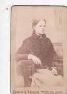 ANTIQUE CDV PHOTO - SEATED LADY.  HEBDEN BRIDGE STUDIO - Photographs