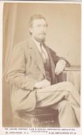 ANTIQUE CDV PHOTO - SEATED BEARDED MAN  .  LONDON  STUDIO - Photographs