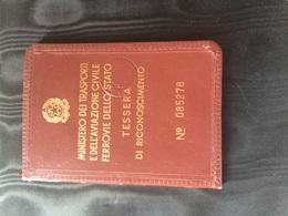 1969 Ministero Dei Trasporti Ferrovie Dello Stato Tessera Di Riconoscimento - Abonnements Hebdomadaires & Mensuels