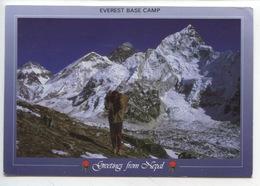 "Népal : Evrest Base Camp ""Namaste"" Sherpa Porter Dwarfed Everest Nuptse Kalapathar - Népal"