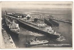76 Le Havre  Le Paquebot Normandie (très Beau Plan) - Paquebots