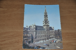 5649- BRUSSEL  BRUXELLES, GROTE MARKT / Bus / Auto / Car / Coche / Voiture - Places, Squares