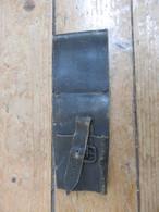 Porte Fourreau En Cuir Noir - Equipement