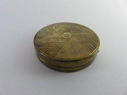343 - Ancienne Boite Poudrier Houbigant France - Métal Doré - Miroir - Forme Géométrique - Produits De Beauté