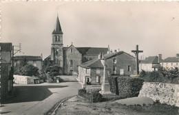 CP - France - (79) Deux-Sèvres - La Ronde - La Place Et L'Eglise - Sauze Vaussais