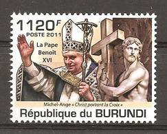 BURUNDI - 2011 MICHELANGELO Cristo Porta La Croce (S.Maria Sopra Minerva, Roma) E Papa BENEDETTO XVI  Nuovo** MNH - Escultura