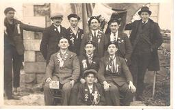 12 - MONTROZIER :CONSCRITS CLASSE 1927 . - France